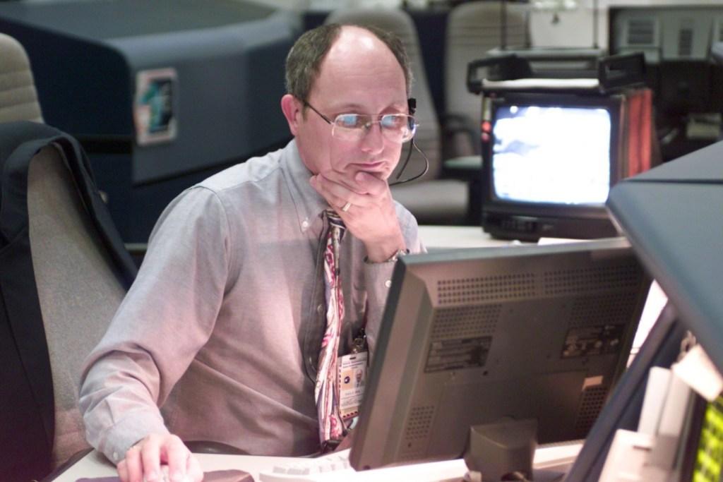 Paul Dye, NASA flight director