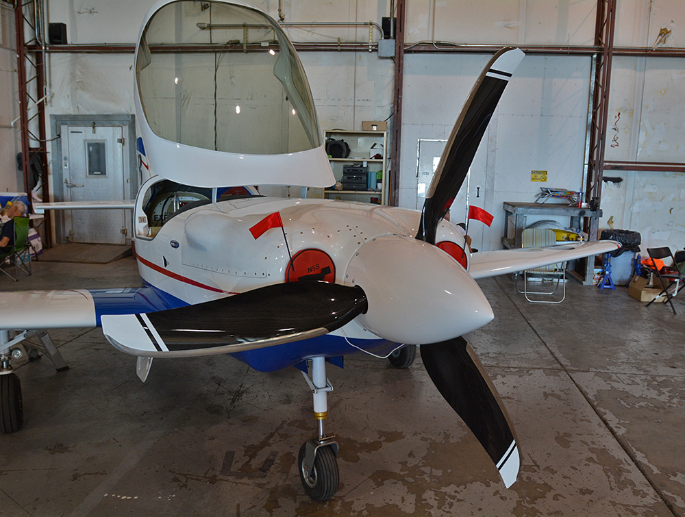 Whirlwind composite prop on David Sterling's Lancair