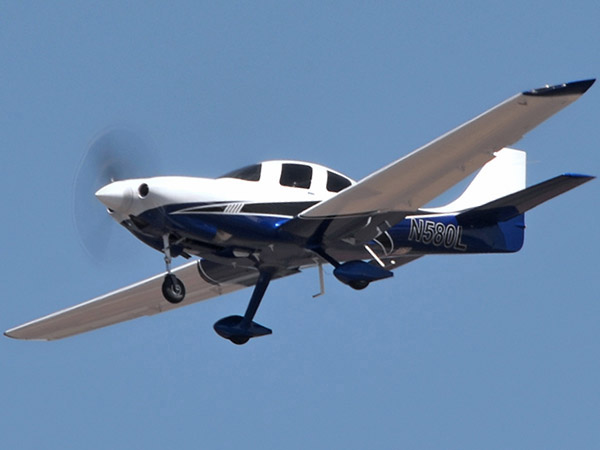 Lancair Mako on approach