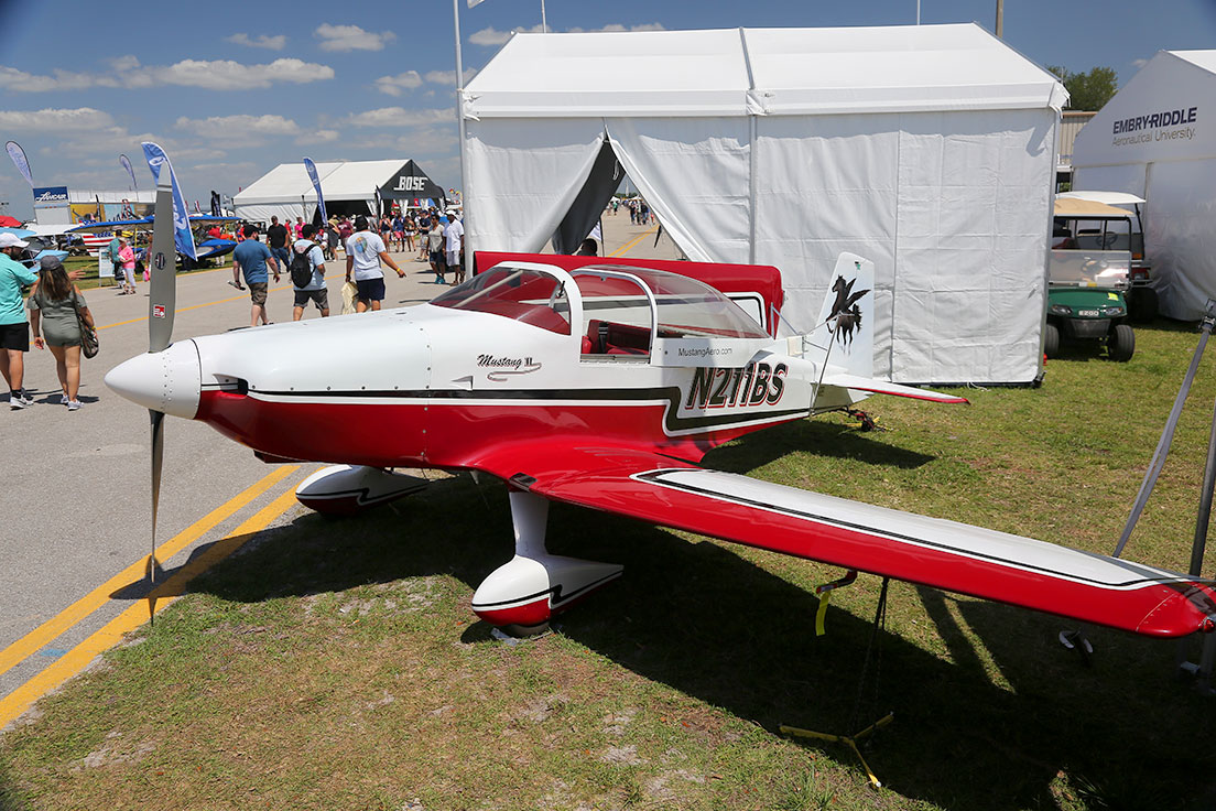 Mustang II with folding wings