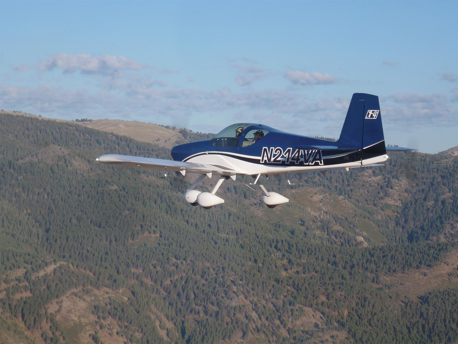 Doing a demo flight with an experienced transition trainer—as we did in the RV-14A with Mike Seager—gives you a chance to try out the edges of the airplane's performance. (Photo: Courtesy of Van's Aircraft, Inc.)