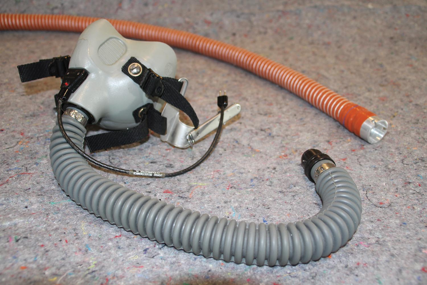 Three-quarter-inch SCAT tubing works well between the regulator and your mask hose.