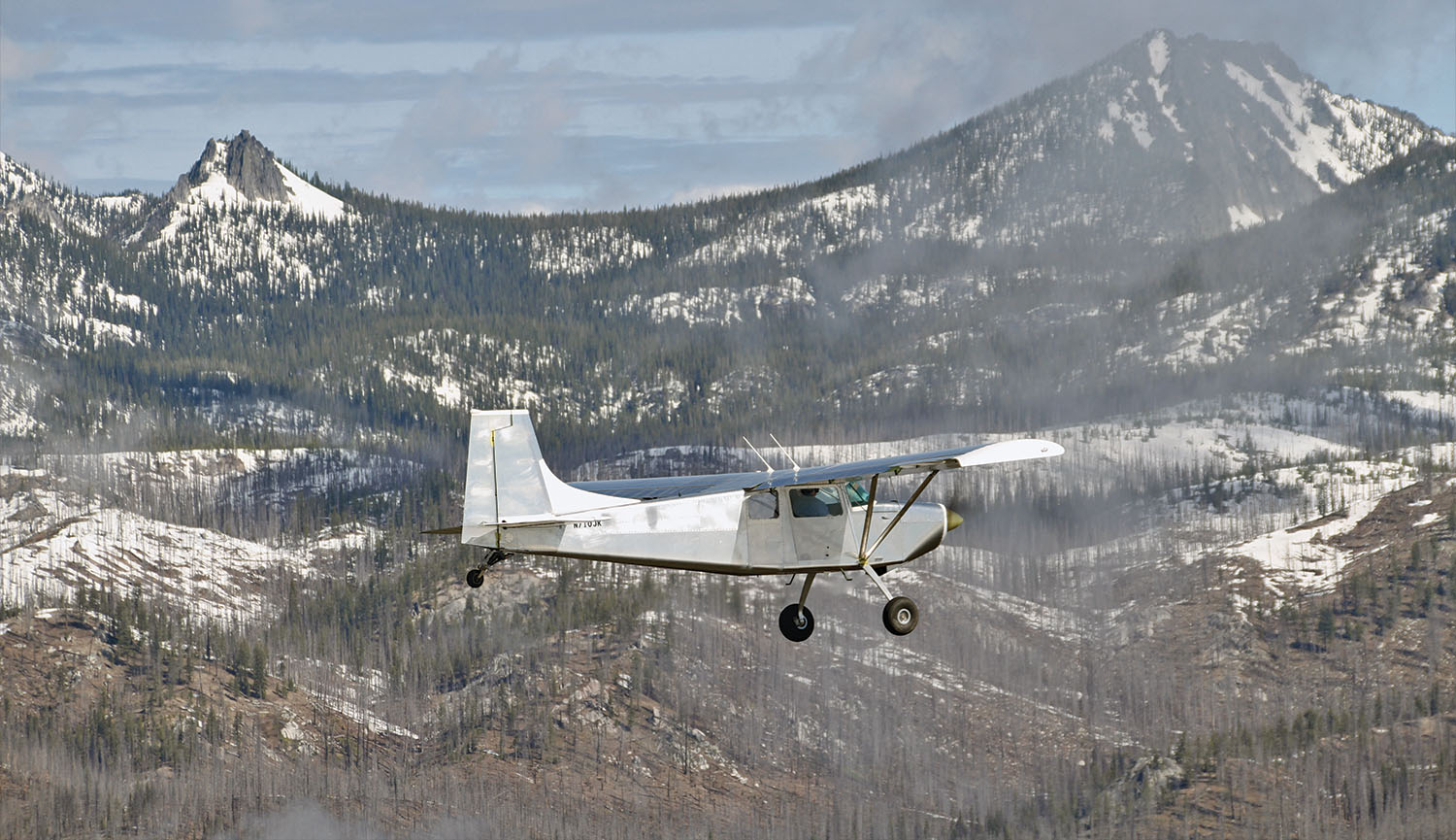 Tundra flying in the mountains